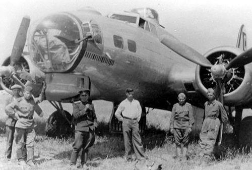 B-17-es gépe bevetés után