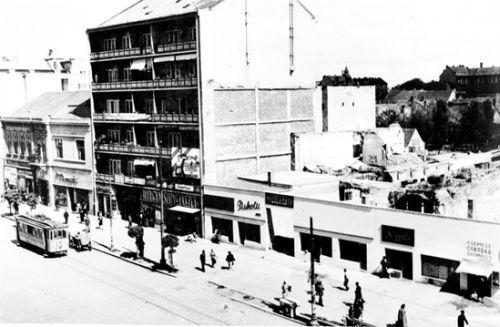 ellegzetes utcakép a háború utáni időkben